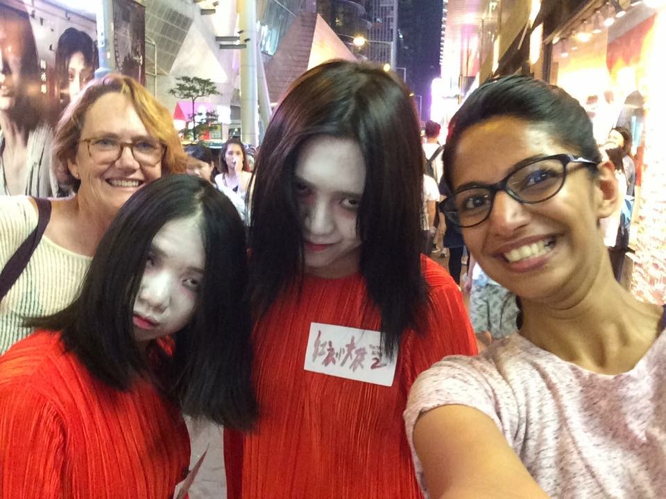 Even if they are scary, they will smile seeing Niya on a Hong Kong Tour