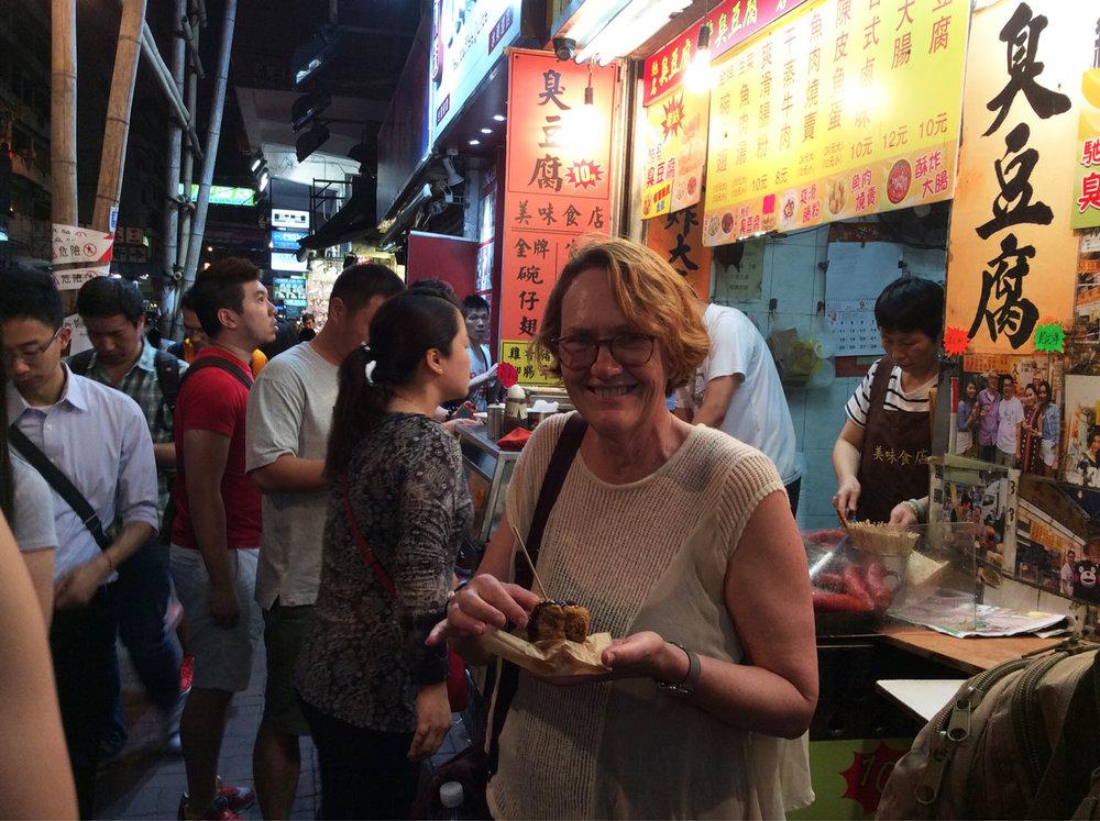 hello-hong-kong-night-tour-visitors7.jpg