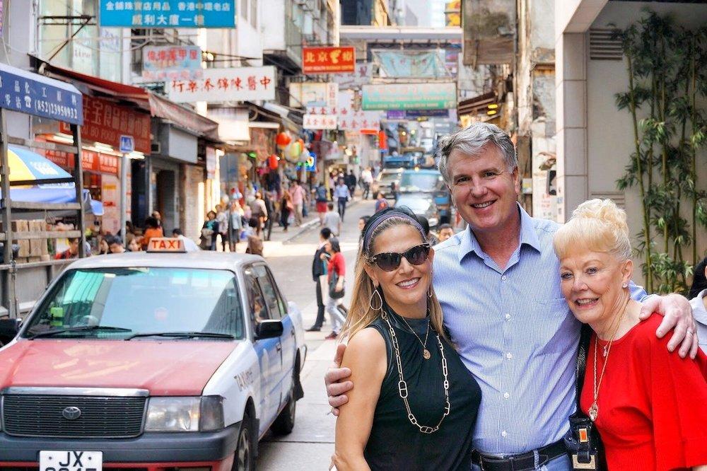 hello-hong-kong-private-tour-visitors4.jpeg