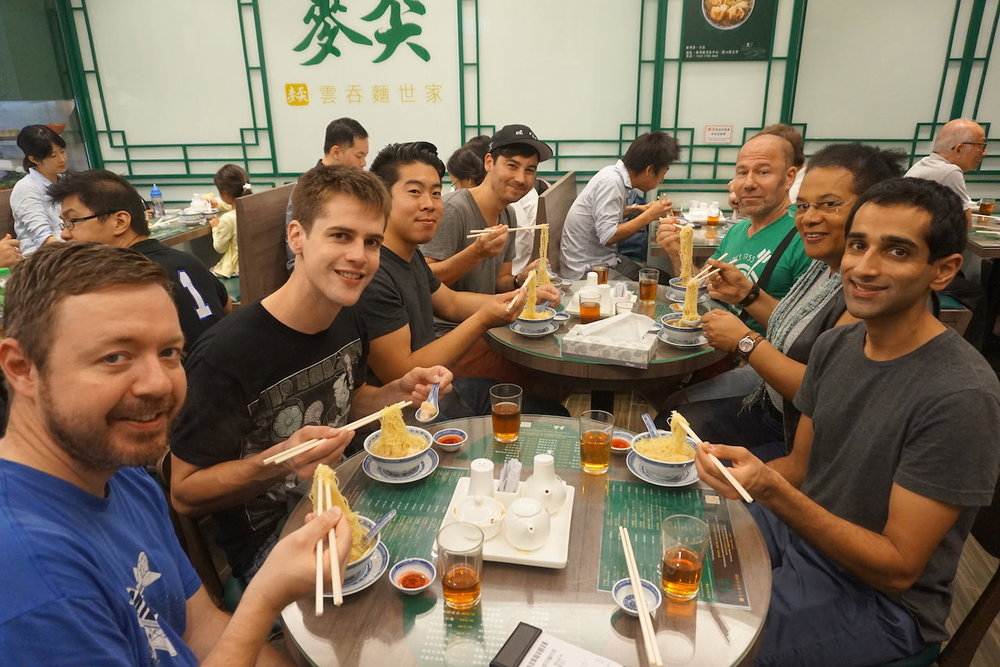 hello-hong-kong-food-tour-visitors12.jpeg