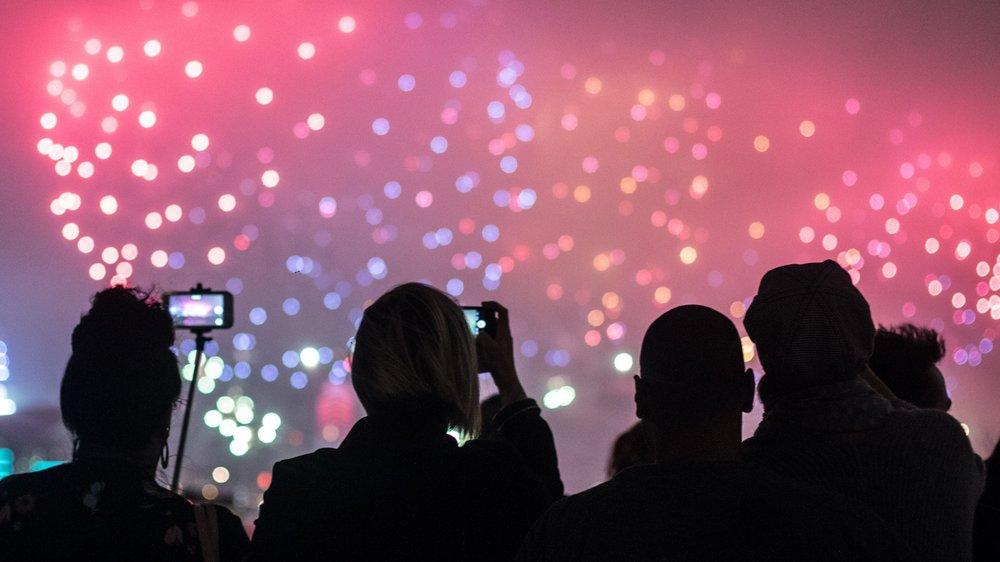 hong-kong-fireworks-cruise-chinese-new-year.jpg