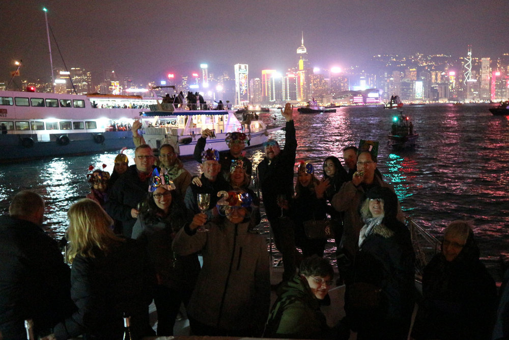 hong-kong-fireworks-cruise-new-year10.jpg