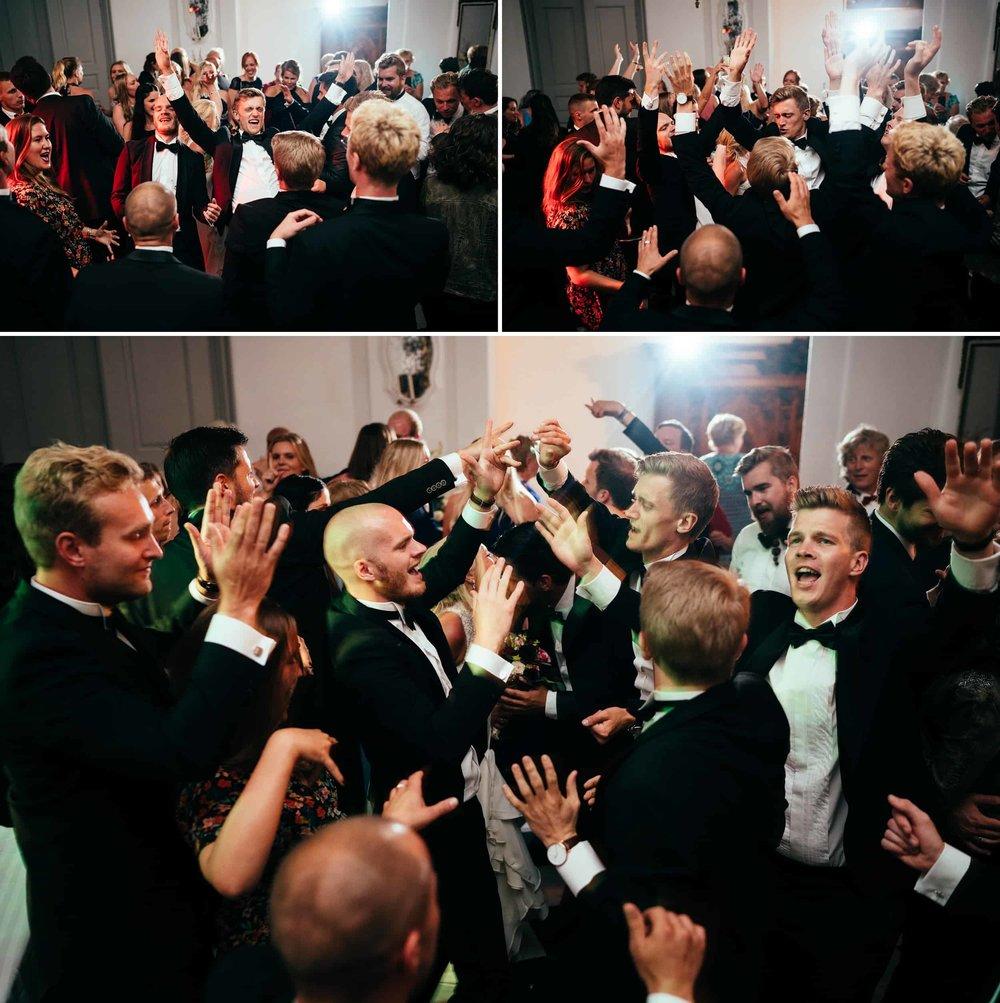 bryllupsfest-gæster-der-danser-fotograf.jpg