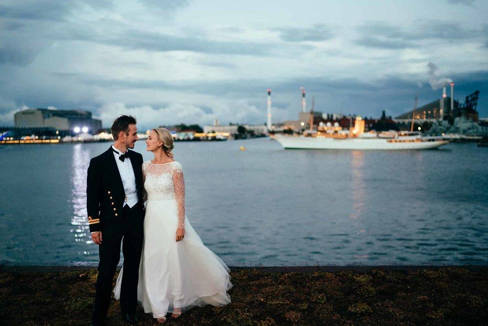 brudepar-ved-skibet-dannebro.jpg