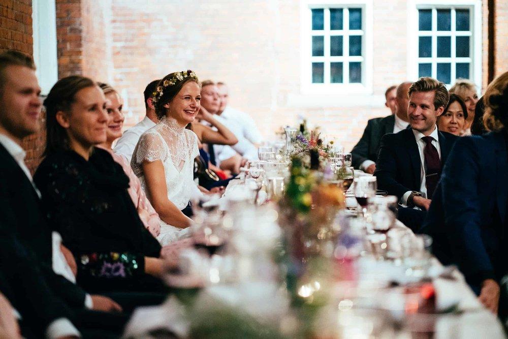 brud-griner-under-tale-til-bryllup.jpg