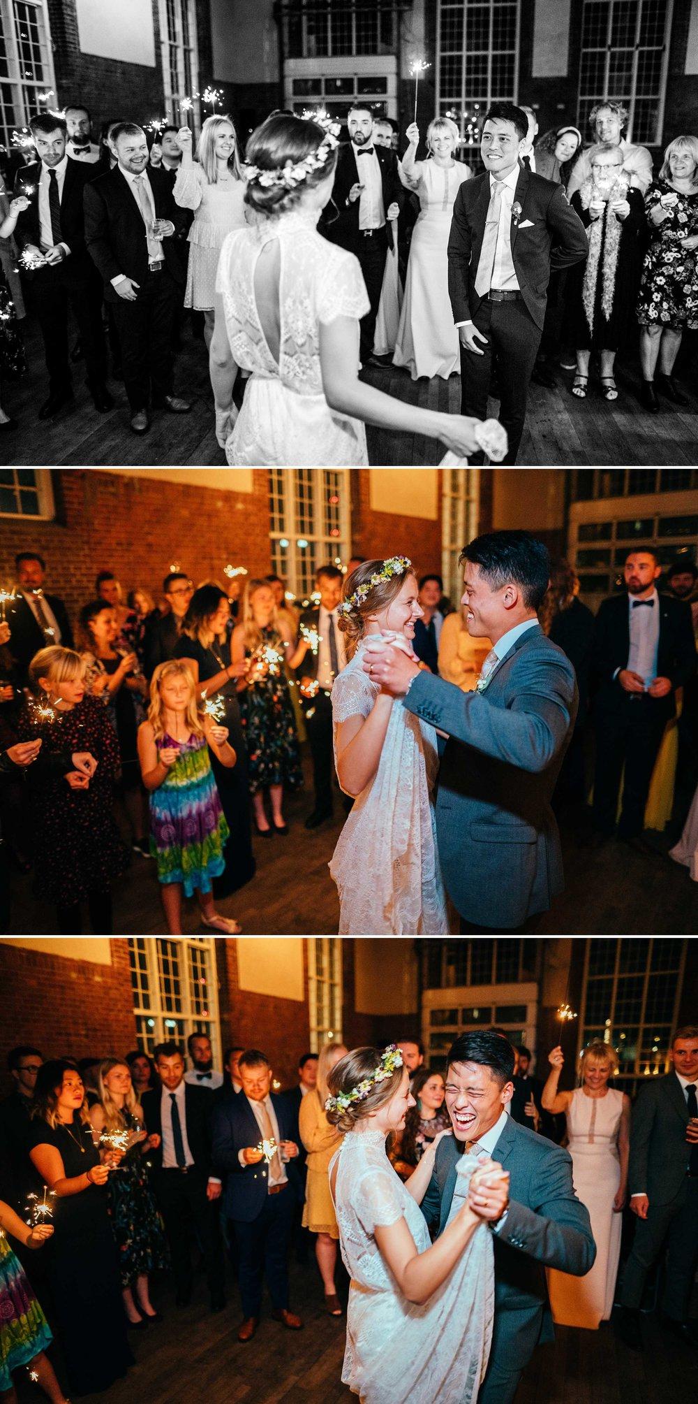 brudevals-med-stjernekastere-bryllupsfotograf-københavn.jpg