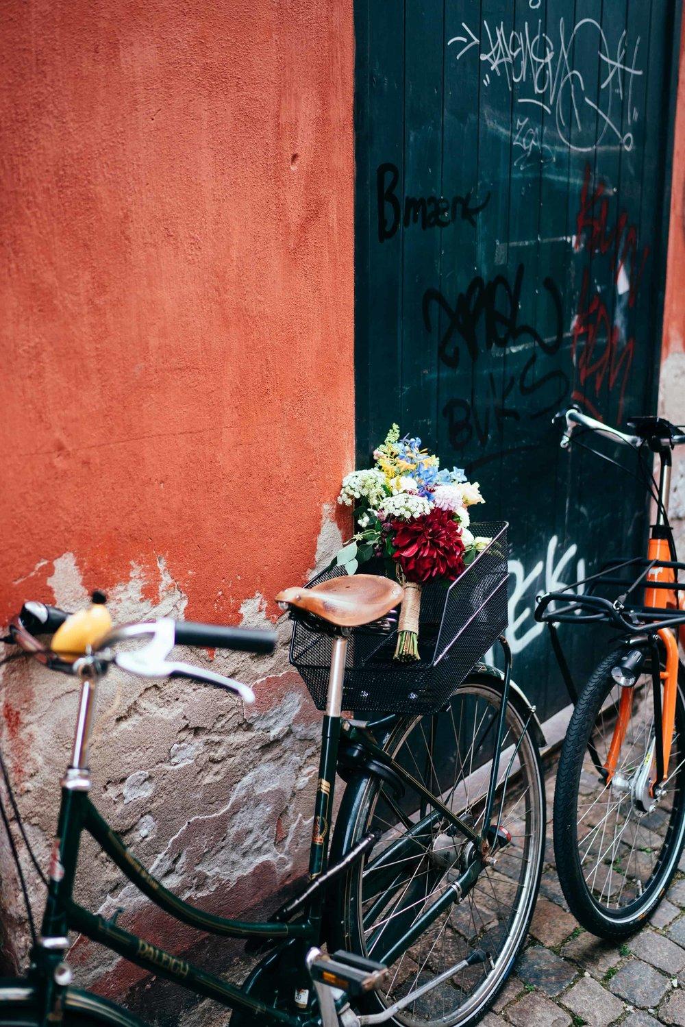 bryllupsbuket-på-cykel-i-københavn.jpg