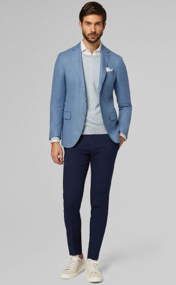 Contrasting blue tones. Blazer and Trousers Boggi