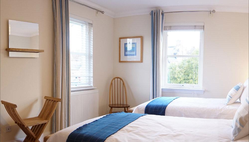 The_Hoolet_Crieff-Bedroom_2-2.jpg