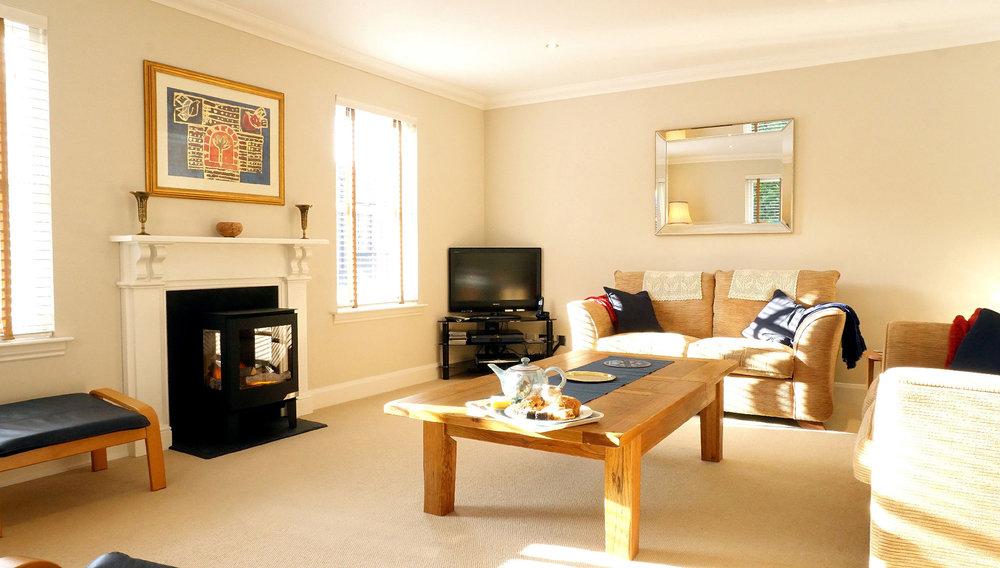 The_Hoolet_Crieff-Living_Room-1.jpg