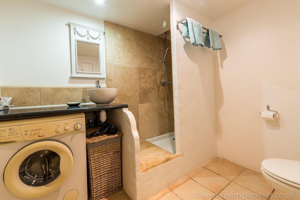 La Grange Bathroom 4.jpg