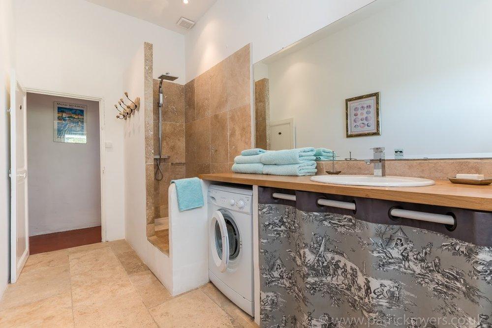 Sebastian's House Bathroom 2.jpg
