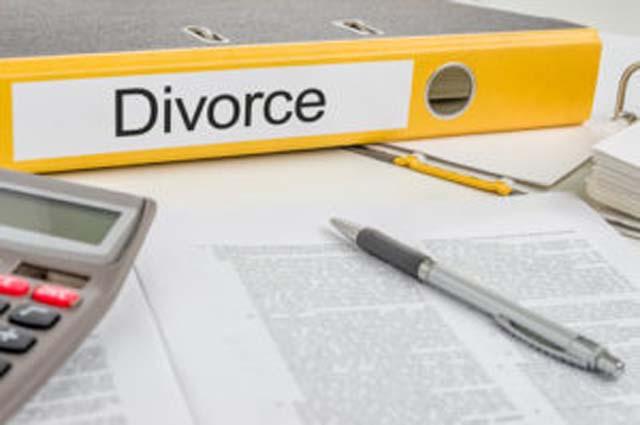 Divorce-Kelly-Chisholm640x426.jpg