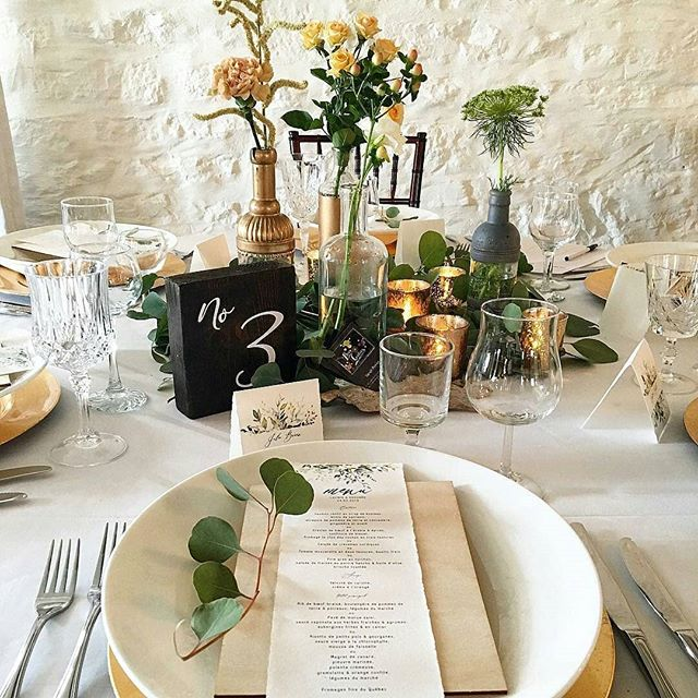 Our latest event (held yesterday) and organized by Coeur Bohème at Auberge Saint-Antoine. Even the snow didn't stop our future brides and grooms.... #weddingmenu #weddingpaper #2019brides #2020brides #mariage2019 #mariage2020 #cottonpaper #organicwedding