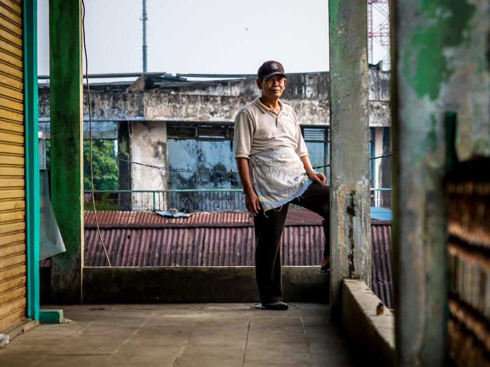 Seth T. Buckley Photojournalism - Street Photography - Street Portraiture