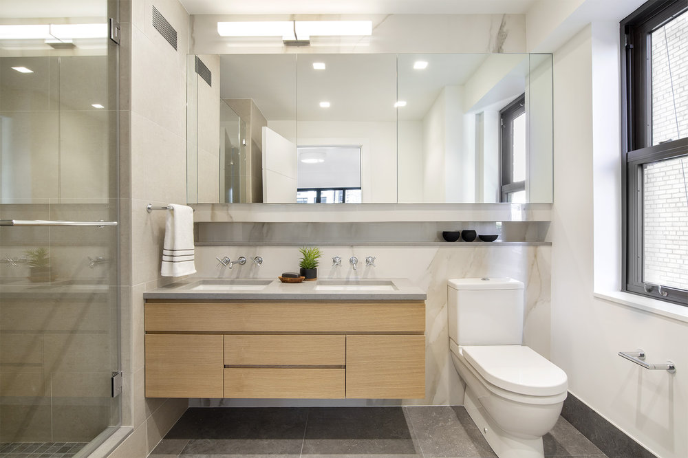 900ParkAve8E - Master Bathroom.jpg