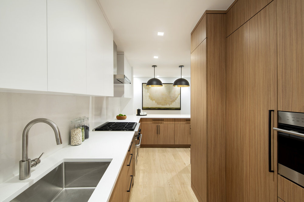 900ParkAve8E - Kitchen.jpg