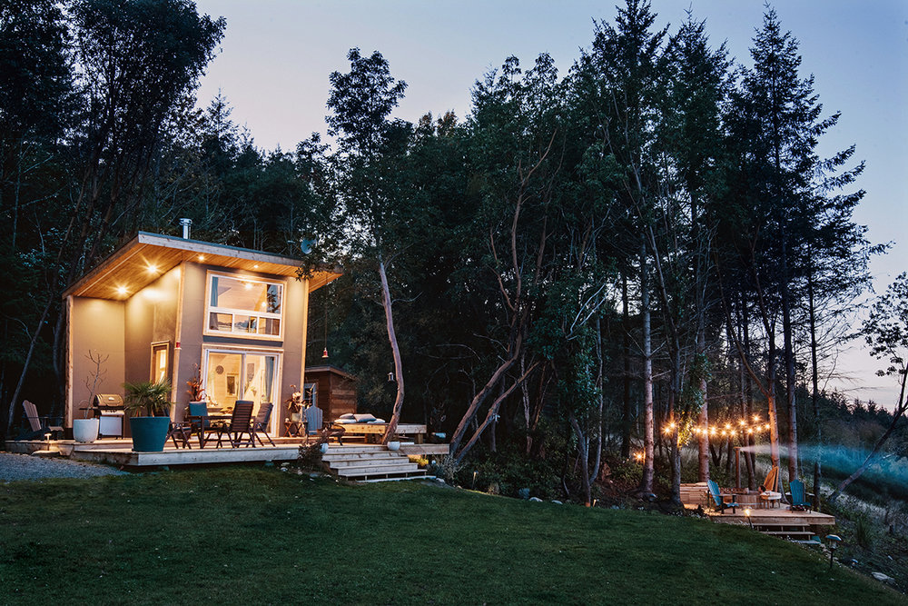 Cabin Facade Dusk 72.jpg