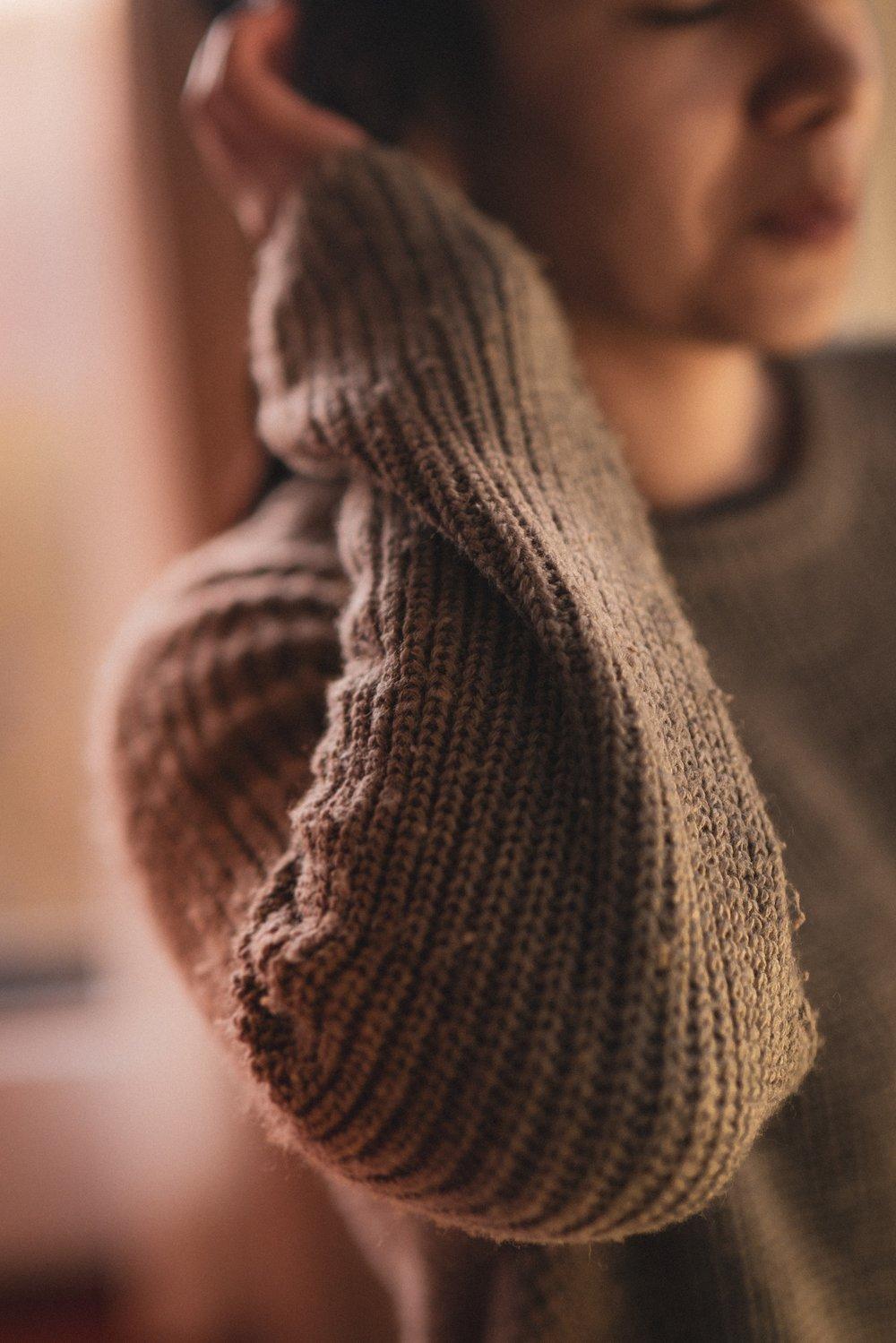 sayo-garcia-1319244-unsplash sweater pill.jpg