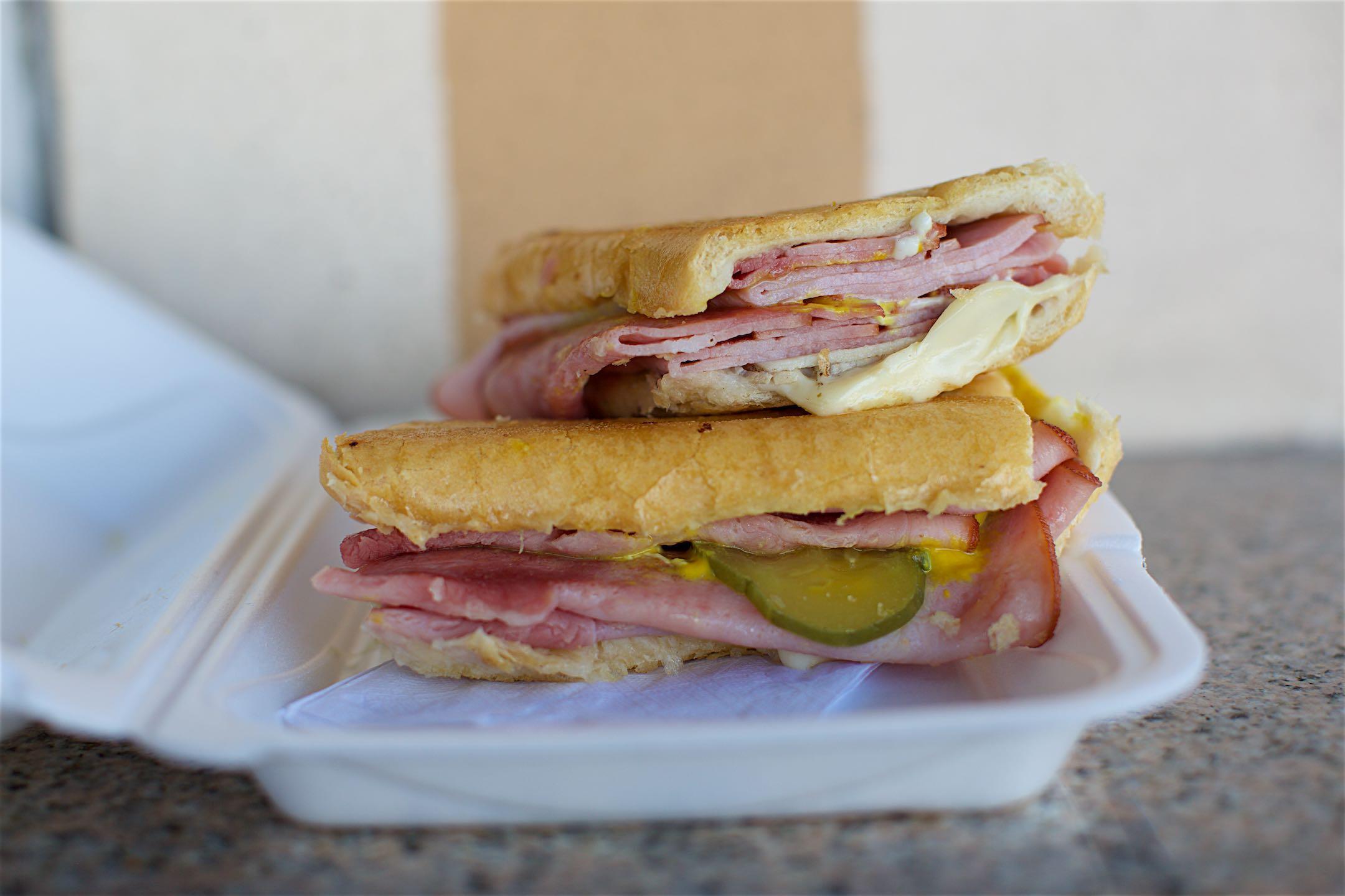 Enriqueta's Sandwich Shop 009