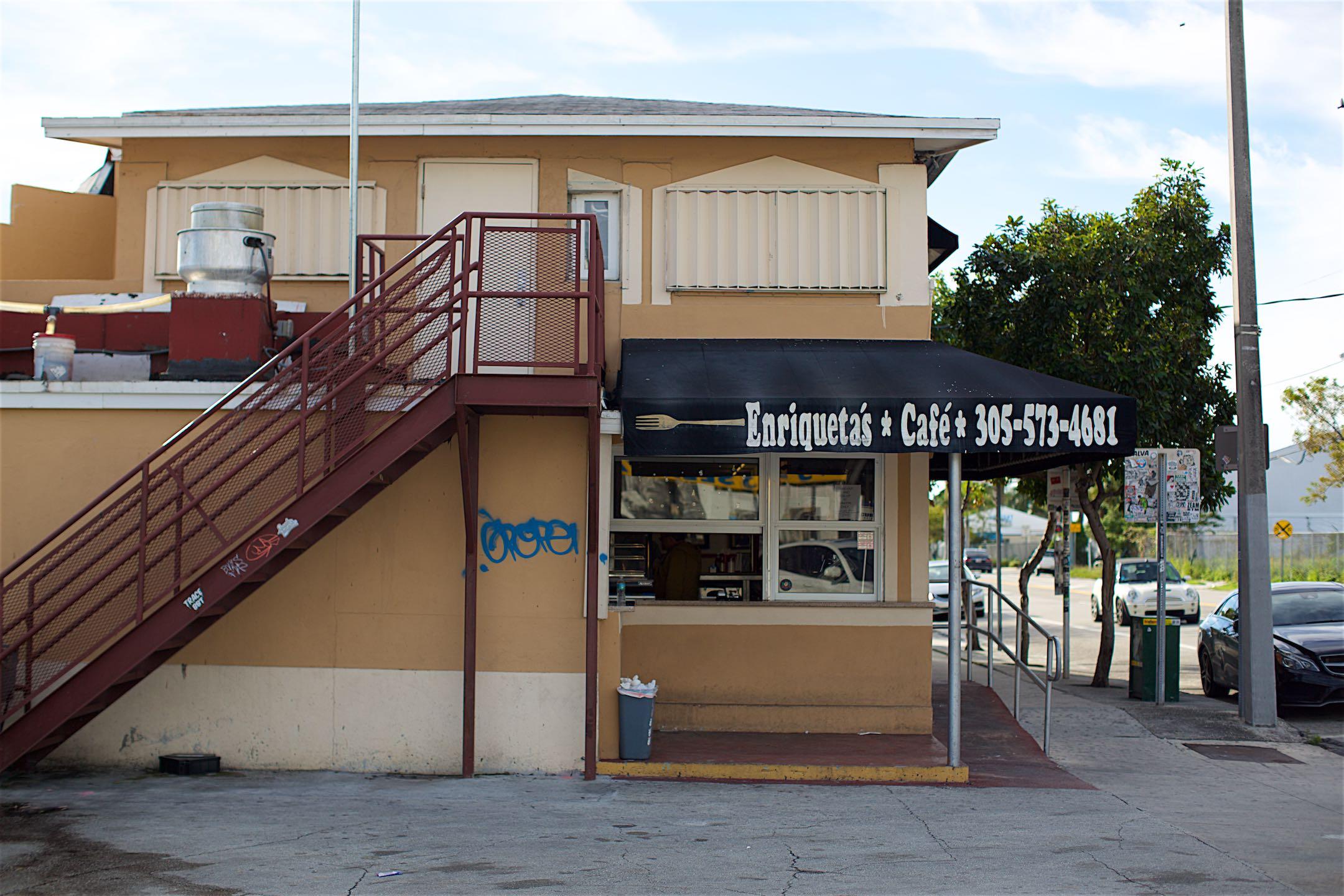 Enriqueta's Sandwich Shop 012