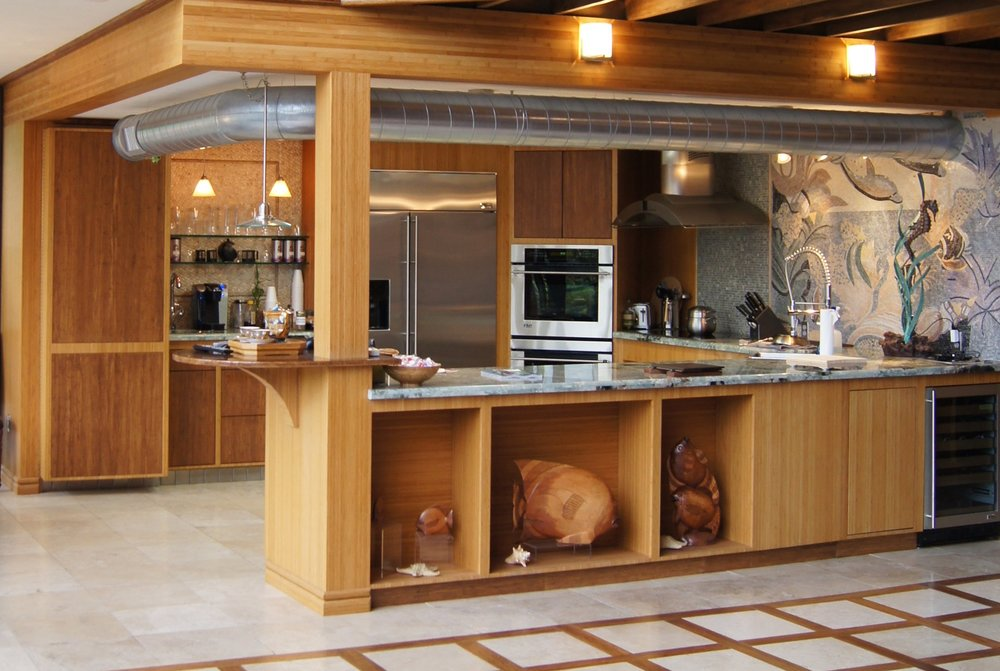 ^ A kitchen done in bamboo is a great place for culinary creativity.