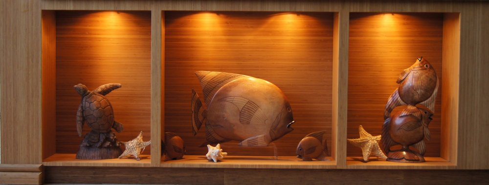 ^ Bamboo creates the perfect place to show off your favorite things!