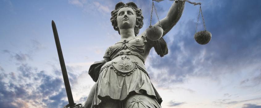 Velkommen til våre hjemmesider - Advokatfirmaet Aaløkken leverer juridiske tjenester til både bedrifter og privatpersoner. Vi har lang erfaring fra advokatvirksomhet og dermed et godt utgangspunkt for å bistå deg i din sak.