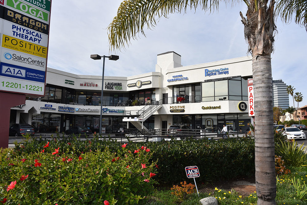 santa monicA BLVD & amherst - We're located on the first floor of a strip mall located on Santa Monica and Amherst (one block west of Bundy)on the border ofWest LA / Brentwood / Santa Monica.