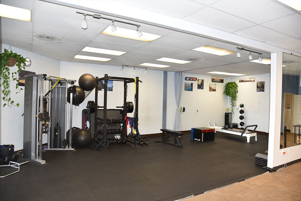 Full stack of gym equipment - We have all necessary gym equipment including bikes, treadmill, pilates reformer, weights and bands.