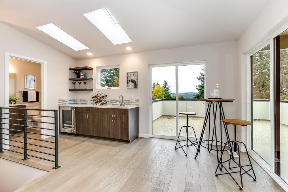 9602 40th Ave NE, Seattle LJM Home Bonus Room with Full Bar