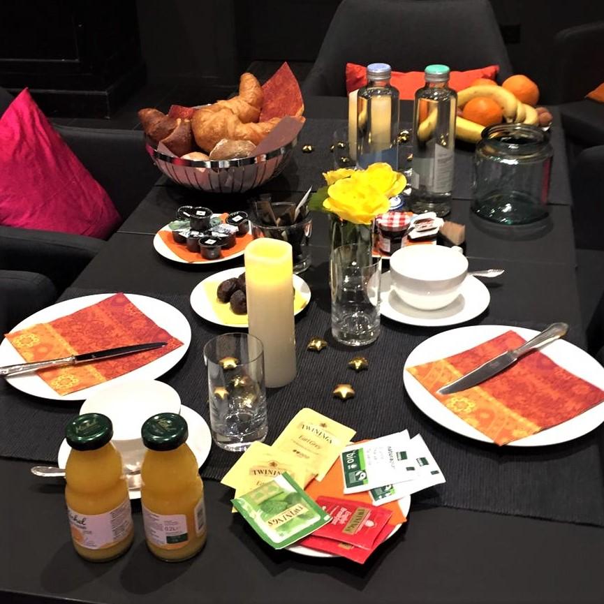 breakfast II.jpg