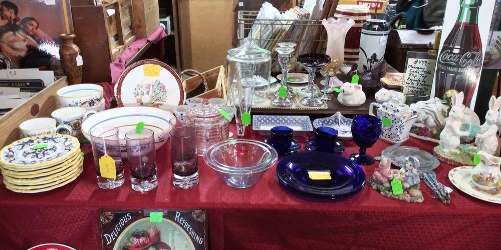 unexpected-treasures-antiques-on-the-farmington-20190223-31.jpg