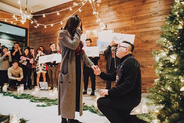 Christmas came early for Qichun when Tony decided to recreate their first date at @grousemountain. Happy Thanksgiving friends. 🌟 #luxeproposals 📷 @lovefrankly