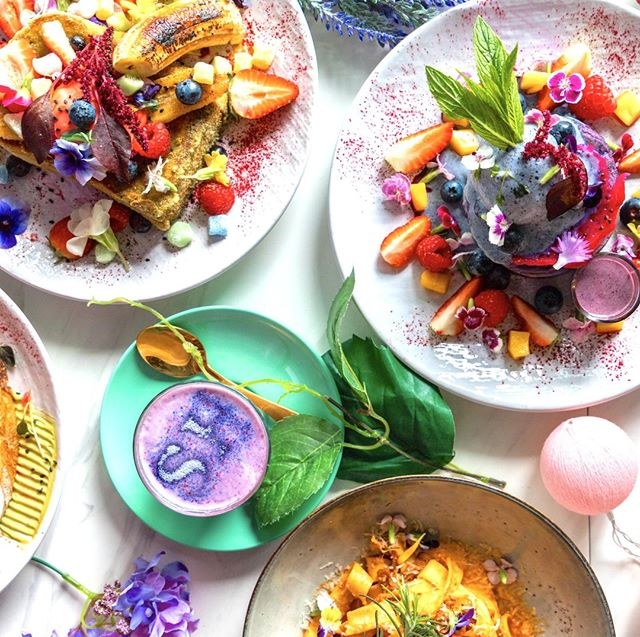 WOW 😍 Brunch goals!! TAG who you're bringing in with you today in the comments below 💜 . . #socialhideout #brunchinsydney #cafeinsydney  #sydneybrunch  #foodphotography #food #cpmonlinemarketing #brunch #breakfast #eggs #sydneyeats #breakfastinsydney #brunchinsydney #sydneybreakfast #breakfast #lunch