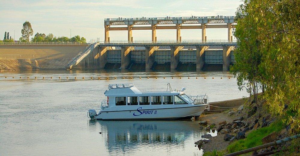 Spirit 2 downstram Yarrawonga Weir River Murray