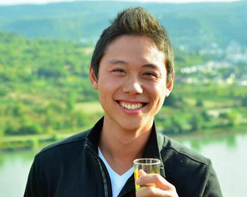 VINCENT TSAO  USC 2014, LavaLab Founder  Vincent is a product manager at Persona. Before that he co-founded an educational platform called Floop, and was a program manager at Amazon. Vincent specializes in business strategy, and engineering management.