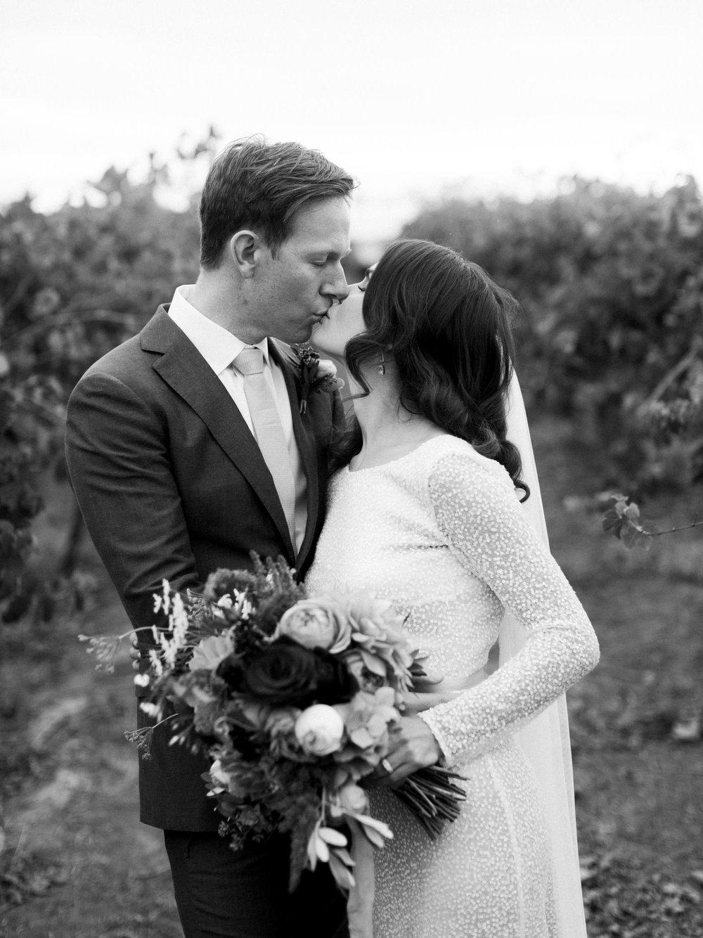 Hentley-Farm-wedding-photography-046.jpg