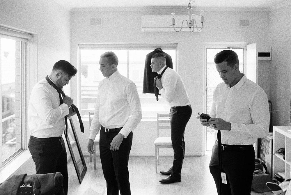 Whitehouse-hahndorf-wedding-photography-007.jpg