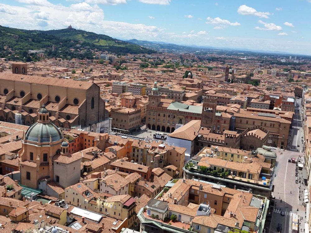 Auto-Elite-Day-Tour-Bologna-Panorama.jpg