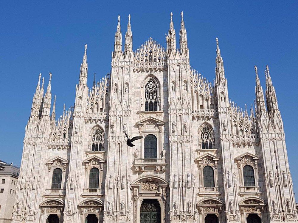 Auto-Elite-Day-Tour-Milano-Duomo.jpg