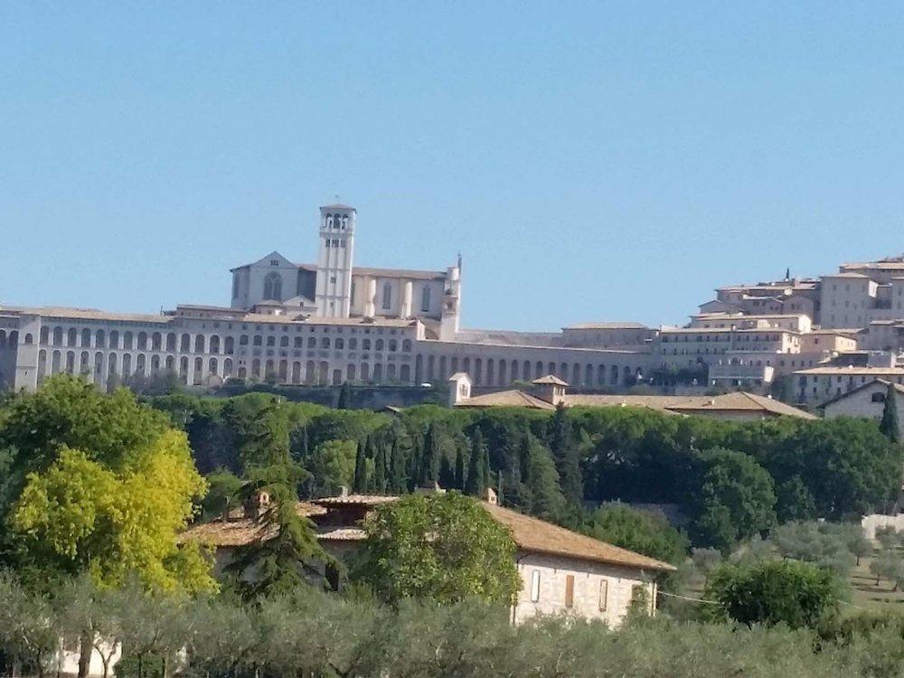 Auto-Elite-Day-Tour-Assisi.jpg