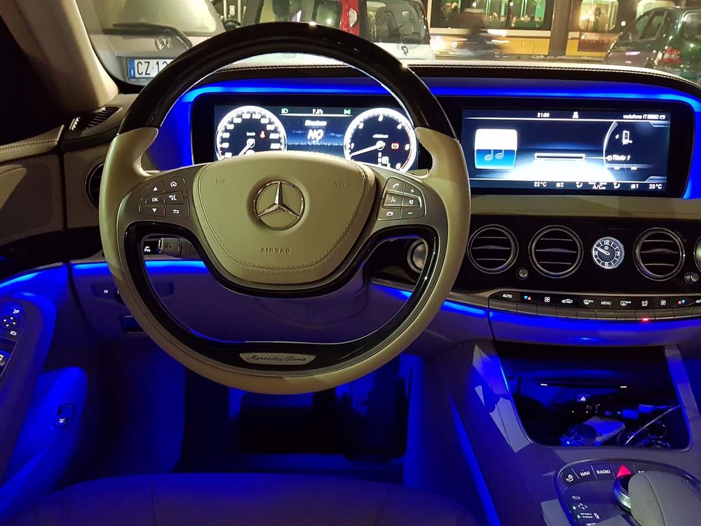 Auto-Elite-Mercedes-S-Class_inside-night-resized.jpg