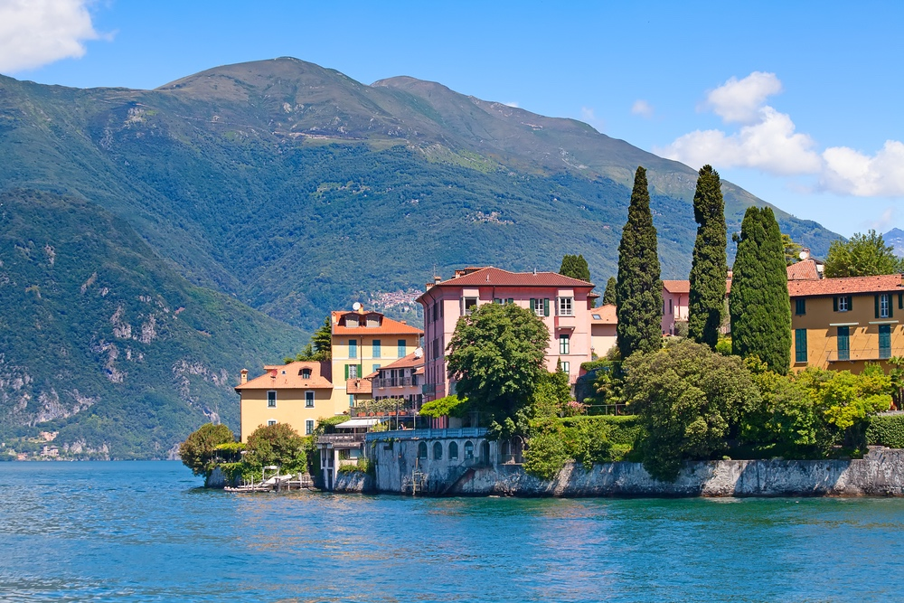 Italy_Lakes_Cat Transportation_Limo service_Private Tours.jpg