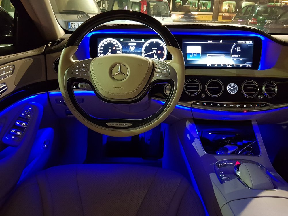 Auto-Elite-Mercedes-S-Class_inside-night.jpg