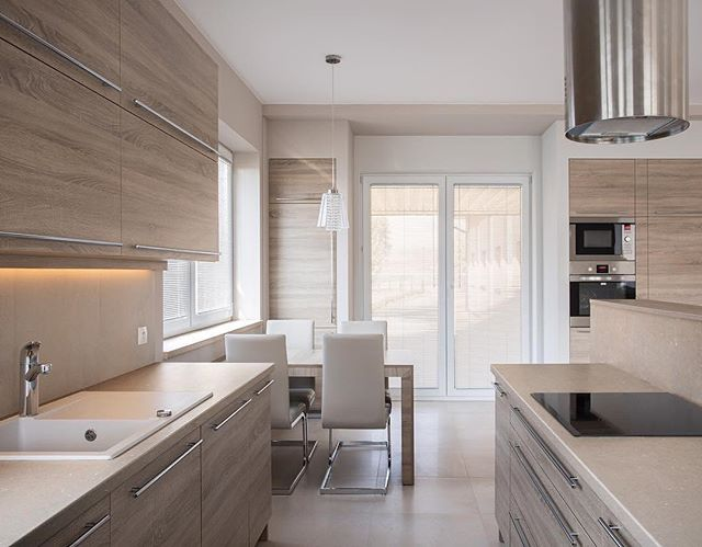 Accentuate natural light with Silestone Coral Clay. Blending a wood grain finish and modern design to create a Scandi-inspired feel.