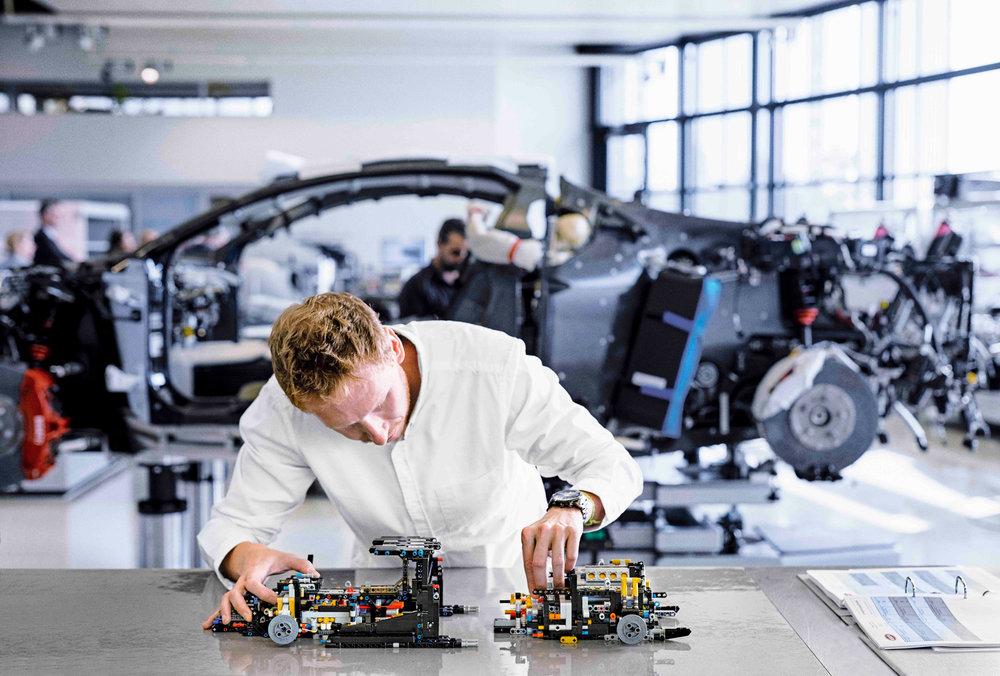 Bugatti-Chiron-de-Lego-6.jpg