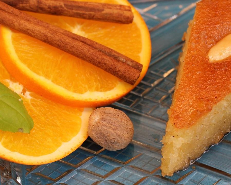 Pâtisseries - Les meilleures recettes de pâtisseries orientales vous sont proposées à base de produits de qualité.Pistaches, noix, noisettes, amandes, dattes, coco, fleur d'oranger, eau de rose... Vous avez le choix de composer vos assortiments ou bien de vous offrir des coffrets à partager. Des créations élégantes adaptées à vos petites ou grandes occasions.