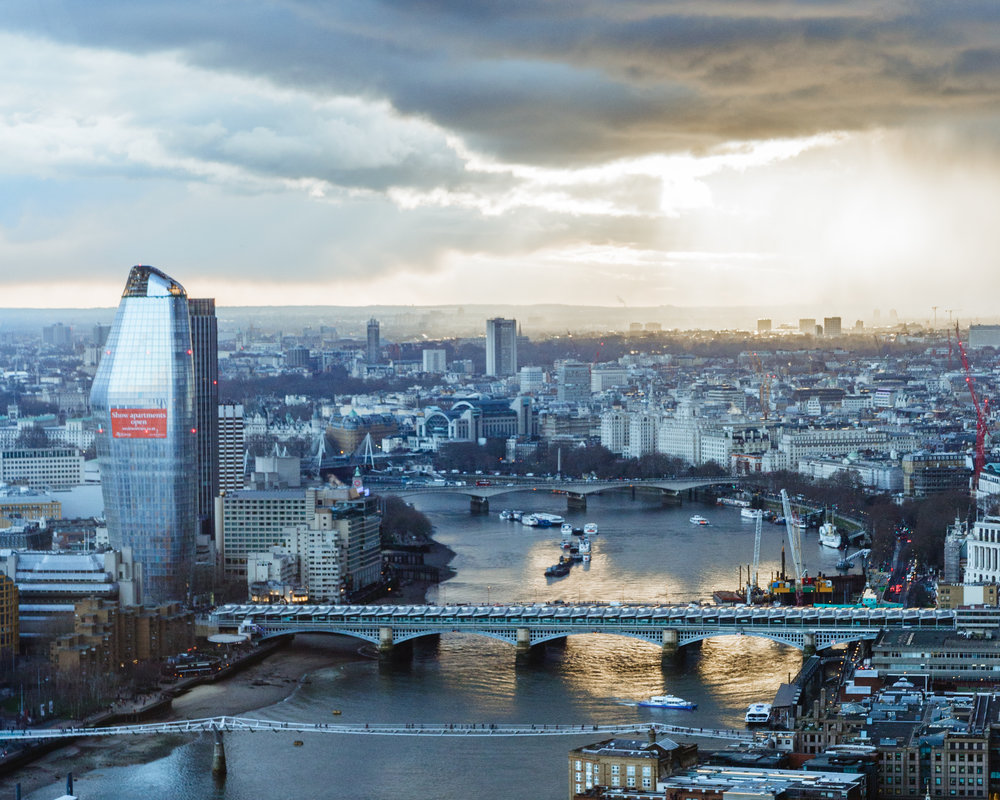 London Photo 16 Horizontal_.jpg