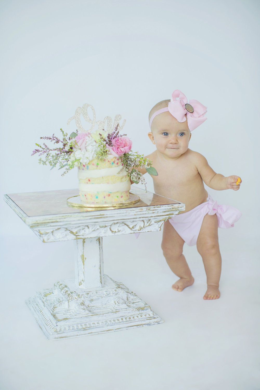 smash-cake-first-birthday-flowers.jpg
